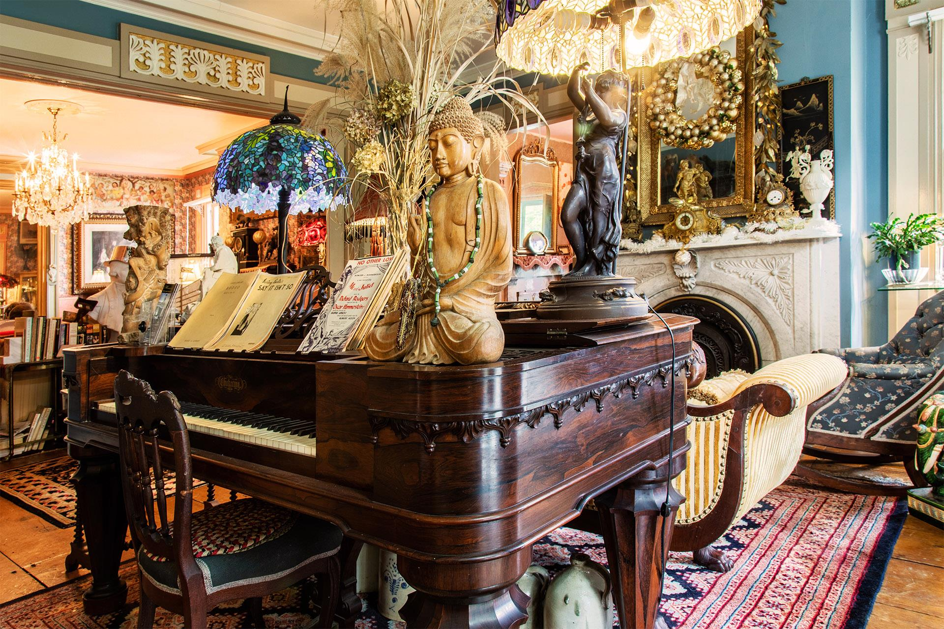 parlor-piano-with-antiques